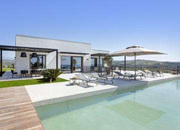 Rocco-Forte-Private-Villas-Verdura-Resort-Villa-Smeraldo-21-A2-2812_B-JG-Mar-21-1-scaled-e1620292570674